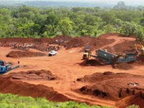cameroon-canyon-resources-signs-mou-with-bolloré-and-camrail-for-birsok-bauxite