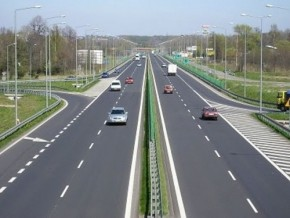 16-billion-fcfa-blocks-douala-yaoundé-road-construction-project
