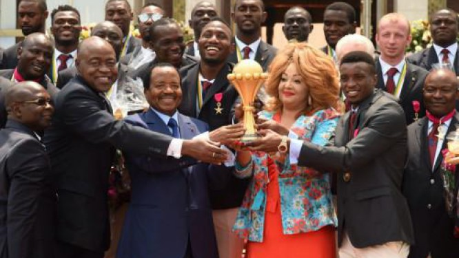 the-indomitable-lions-honoured-by-the-president-after-their-5th-consecration-at-the-2017-afcon