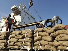 cameroon-cocoa-beans-sent-to-douala-port-for-export-has-slumped-by-20-by-mid-december-2017