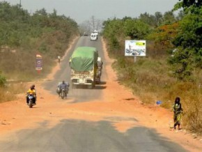 cameroon-fcfa-90-billion-to-maintain-over-16-000-km-of-roads-in-2016