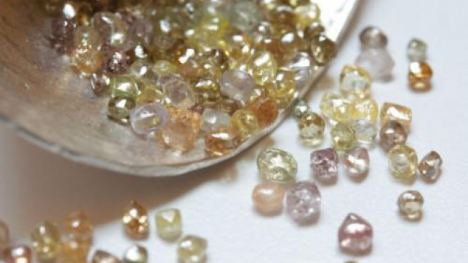 cameroon-doubled-its-rough-diamond-production-in-2015-to-approximately-6-000-carats