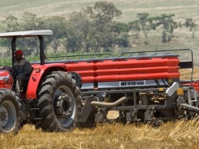 german-company-agco-signs-agreement-to-promote-agricultural-mechanisation-in-cameroon