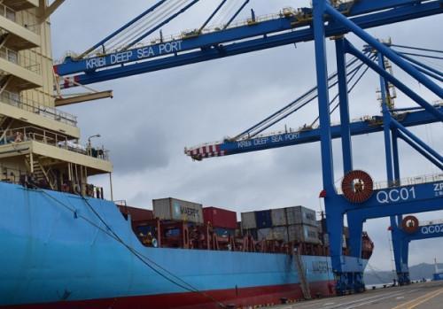 Cameroon : Maersk heads to Kribi deepwater port - Business in Cameroon