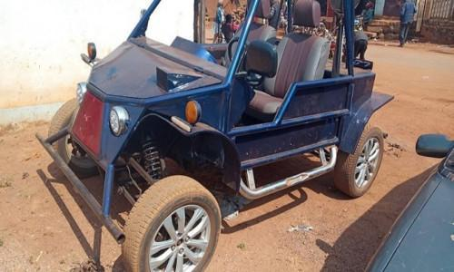 Cameroon : Young mechanic builds car with old materials, in Bafoussam