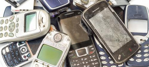 Cameroon: 13 tons of used telephones recycled in France, through a partnership between Orange and local NGO