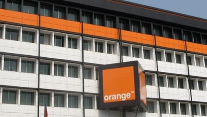orange-cameroon-launches-energy-distribution-offer-with-solar-kits