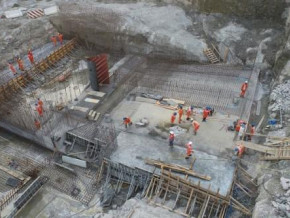 nachtigal-dam-construction-temporarily-blocked-by-workers-because-of-attendance-machine-glitches